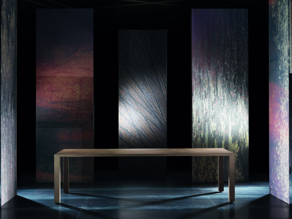 Electa Table
